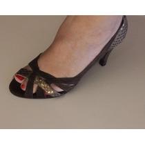 Scarpin / Peep Toe Em Camurça Marrom, Salto 8cm, N.35