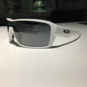 76ccbba07a302 Oculos Lupa Branca De Sol Oakley - Óculos De Sol Oakley em Goiás no ...
