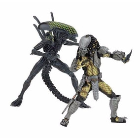 Avp Celtic Predator Vs Grid Alien (battle Damaged) - Neca
