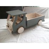 Antiguo Camión De Madera