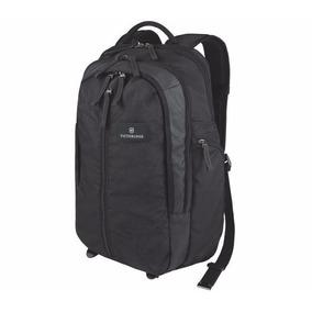Mochila Victorinox Vertical-zip Laptop Backpack. Negra