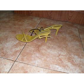 Sandalias Amarillas Nro 39