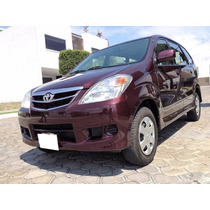 Espectacular Toyota Avanza Premium Manual 2011