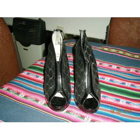 Sandalias Color Negro Taco Alto Minici