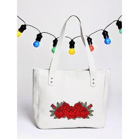 Cartera Blanca, Flor Bordada- Tienda Puro Diseño