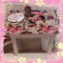 Mesita Minnie Mouse Pintadas Y Tapizadas Con Dos Sillas