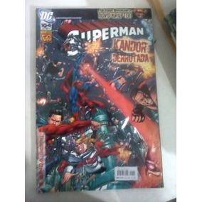 Gibi Panini Comics F. Am - Superman - Jul/2011 - Dc - 104