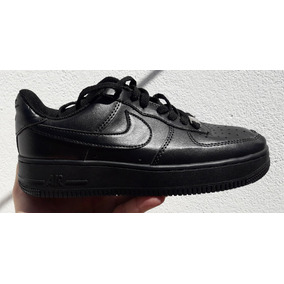Nike Air Force One Negras.
