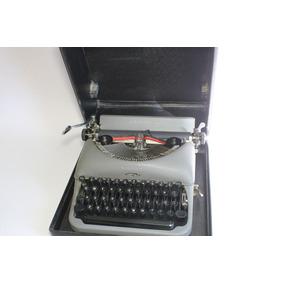 Máquina De Escrever Remington Rand Linda Com Caixa Preta