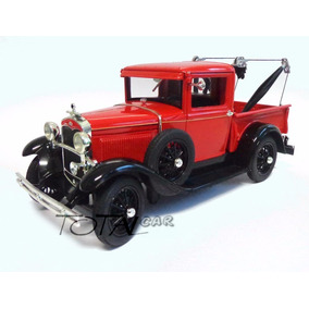 Ford Model A Tow Truck 1931 1:18 Signature Models