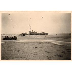Foto Original 2ª Guerra Mundial Navio E Carro Destruídos
