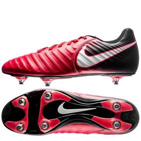 21ce574c42 Chuteira De Campo Nike Tiempo Rio Fg - Chuteiras para Adultos no ...