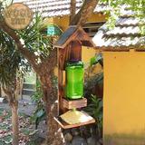 Comedouro Para Pássaros Feito Em Madeira Reaproveitada