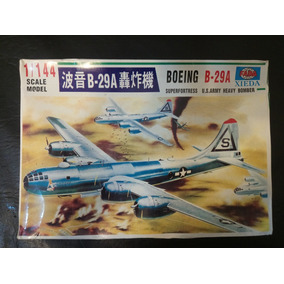 Boeing B-29 Superfortress 1/144. Predator01