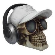 Crânio Com Fone De Ouvido Óculos E Boné Caveira Em Resina