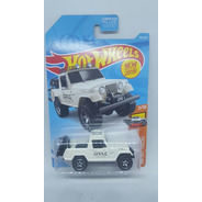 Hot Wheels 67 Jeepster Commando Hw Hot Trucks