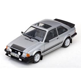 Ford Escort Rs 1600i 1984! 1:18 ! Sunstar! Novo! Defeito