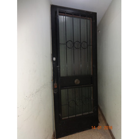 Puerta Exterior C/vidrio Y Reja, Muy Buen Estado