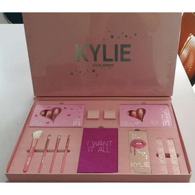 Kylie Gran Set Birthday Pink & Vacations