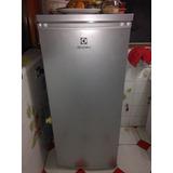 Refrigeradora Electroluz 210lt, Minibar.