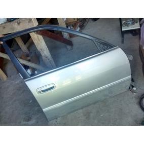 Porta Dianteira Direita Corolla 99/2001 Sem Acessórios