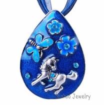 Precioso Colgante Caballo Pony Flores Mariposa, Color Azul