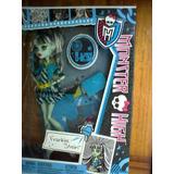 Barbie Zapatillas Magicas Y Monster High