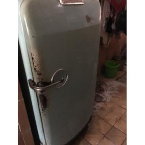 Geladeira Vintage ( Funcionando) Para Reformar