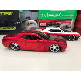 Dodge Challenger Escala 1/24