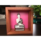 Relicário Oratório Budista Rosa Com Buda De Porcelana