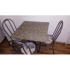 Mesa Com Tampo Em Pedra E 4 Cadeiras