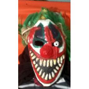 Mascara De Palhaso Com Cortes Realistas Feita De Papel Mach