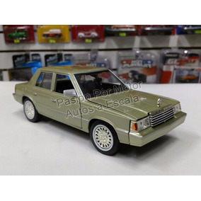 1:24 Dodge Aries K 1982 Champagne Motor Max C Caja Dart