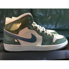 Remate De Tenis Jordan 1 North Carolina Charol De Coleccion