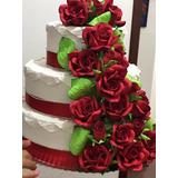 Linda Maquete De Bolo Com Rosas Vermelhas