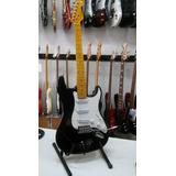 Guitarra Eléctrica Tyler Stratocaster Negra