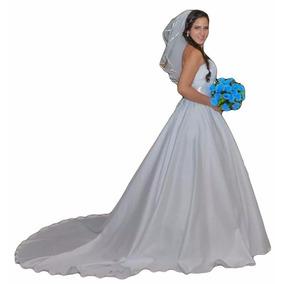 Vestido De Noiva Com Cauda Grande Tomara Que Caia