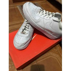 Zapatilla Nike Air Force.