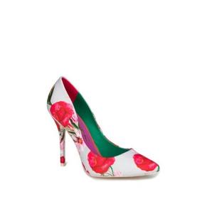 Hermosas Zapatillas Estampado Flores Rojo Andrea