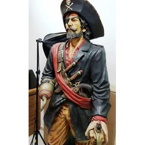 Pirata Em Resina Tamanho Real
