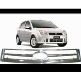 Parrilla Cromada Delantera Ford Fiesta Max Con Pega 3m