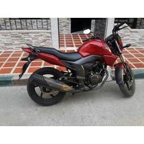 Moto Honda Invicta 2