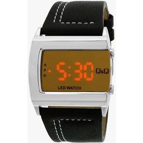 Relógio Digital Led De Couro - Q&q - M101j311y