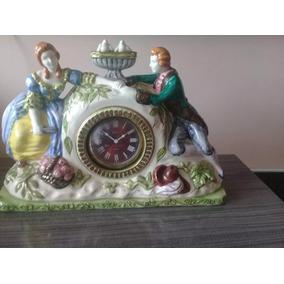 Relógio De Porcelana Antigo