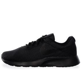 Tenis Nike Tanjun Se - 844908003 - Negro - Mujer