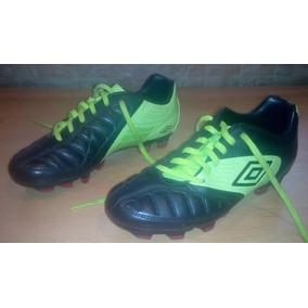 Tacos De Futbol Umbro Talla 36 Para Niño. Zapatos Deportivos 33828326bd5b2