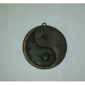 Amuleto Yin Yang Em Bronze Para Proteção E Equilíbrio - 8cm
