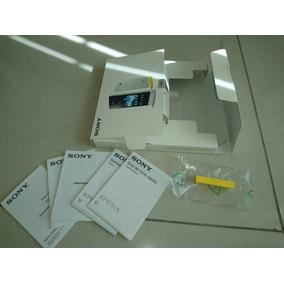 Sony Xperia U, Solo Caja