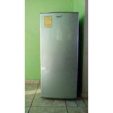 Refrigerador De 7 Pies Marca Acros