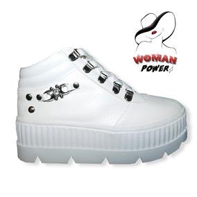 Zapatillas-urbanas-blancas-plataforma-tachas-nuevas-mujer